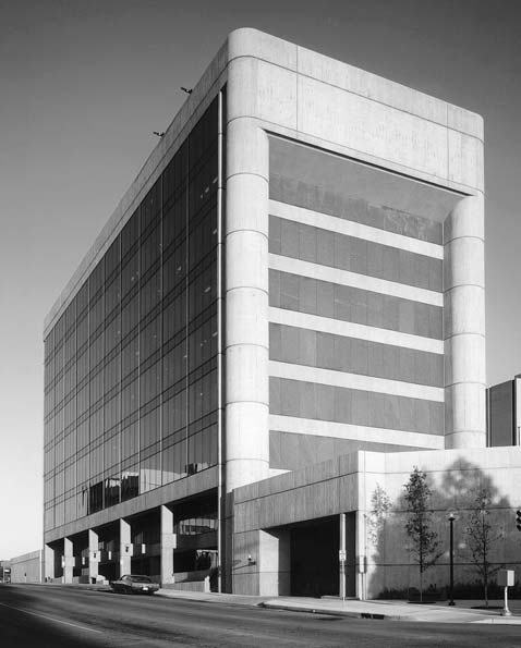 Alfred_P._Murrah_Federal_Building_before_destruction.jpg